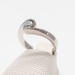 White Gold Skewed Shank Grain Set Ring