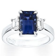 Sapphire with Trapezoid Baguette