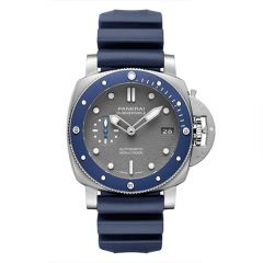 Submersible - 42mm Automatic, self-winding P.900 calibre Blue